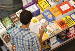 bookstore-4343642_640 (1)